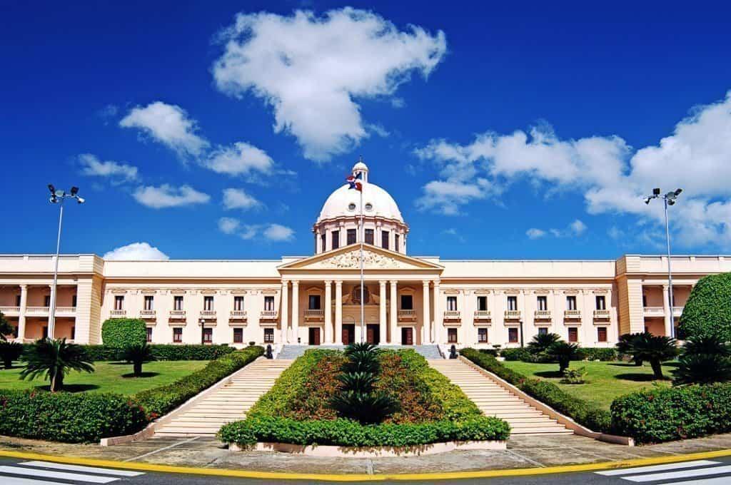 Palacio-Nacional_2 Blue Panorama, diretto Milano-Santo Domingo