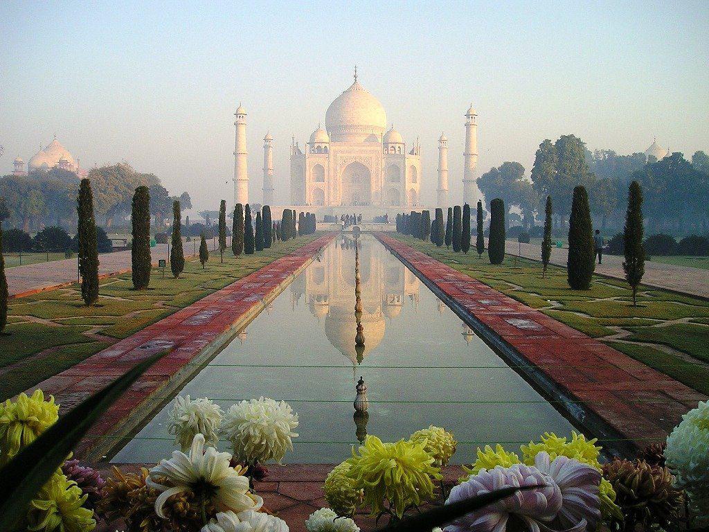 Taj-Mahal In India con Keen On Green
