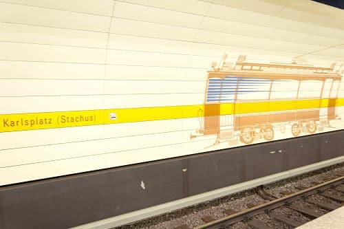 La stazione della metro di Karlsplatz