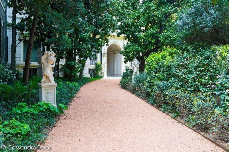 Villa Invernizzi, Milano