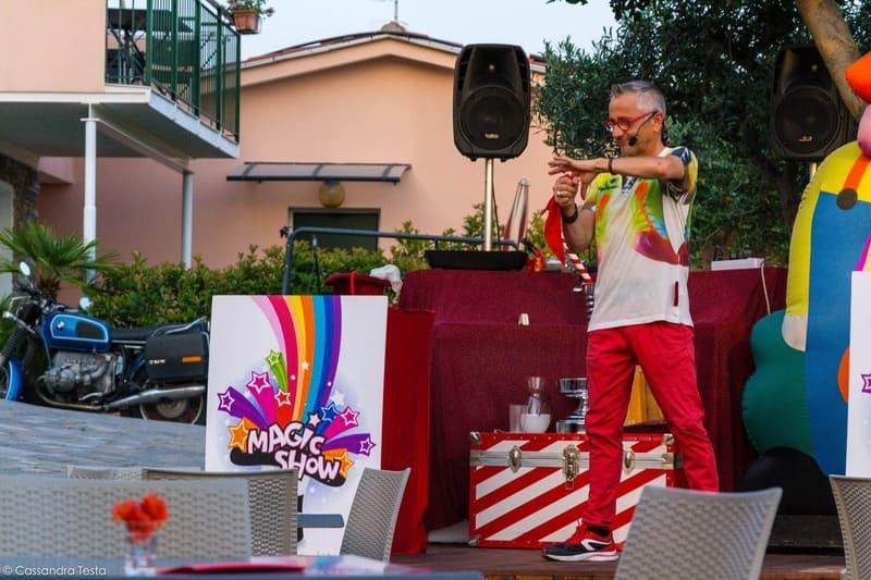 Spettacolo di Mago Salvatore - Villa Giada Resort