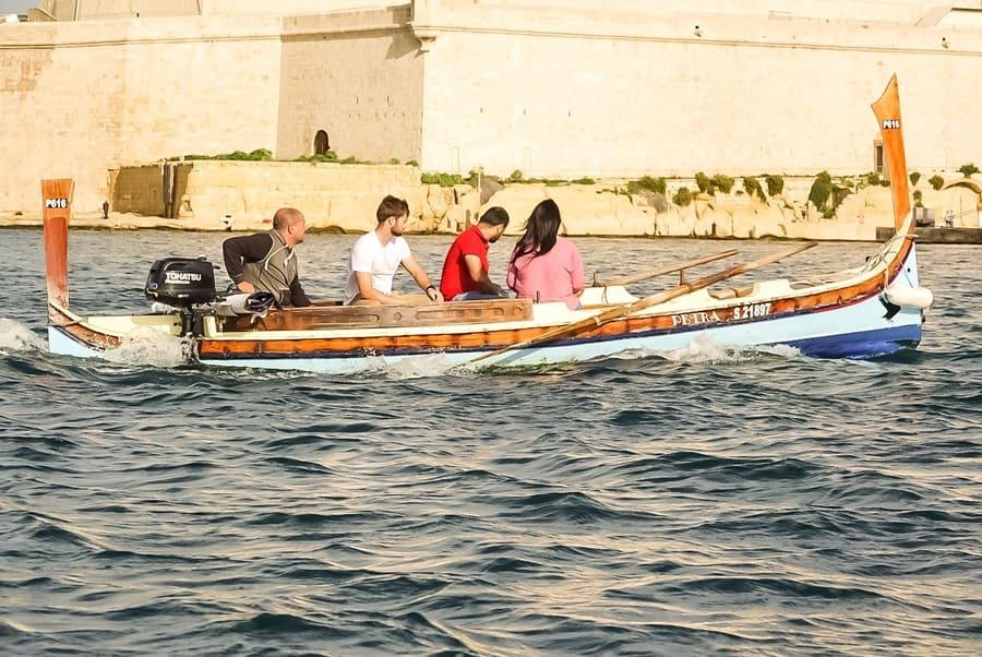 Barche tipiche maltesi nel Grand Harbour