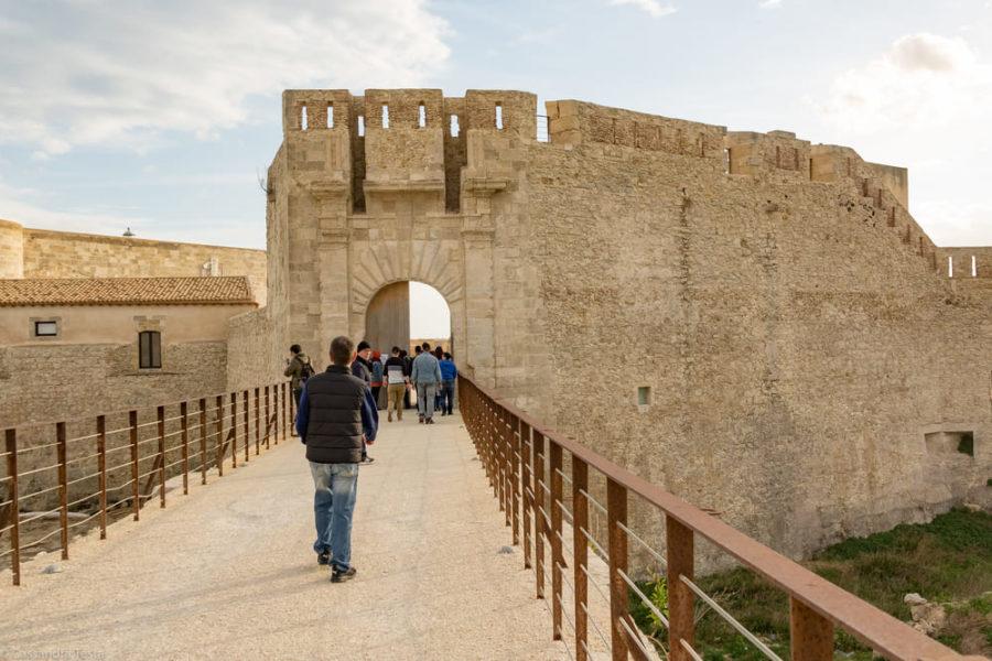 Entrata di Castel Maniace