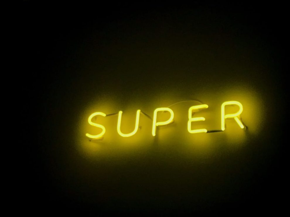 Neon Casa Ramen Super