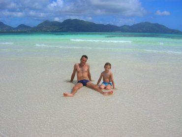 lingua-sabbia-isola-rotonda-mahe-seychelles