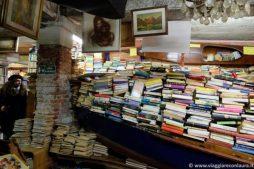venezia insolita libreria acqua alta