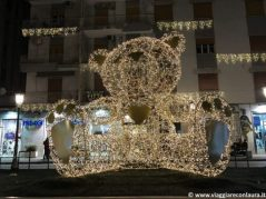 salerno luci d'artista teddy bear