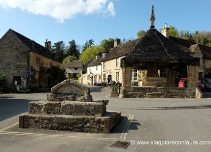 cosa vedere cotswolds castle combe