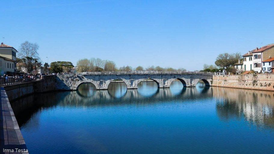 rimini centro storico ponte di tiberio