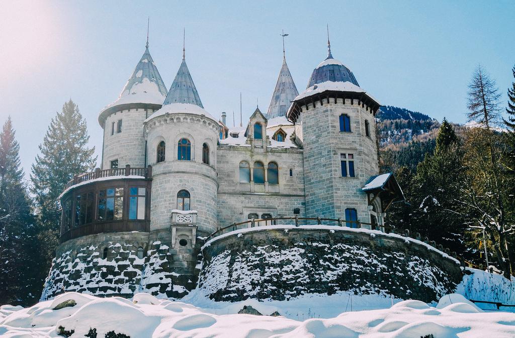 Castello Savoia, Valle d'Aosta