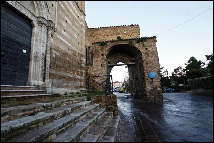 L'antica porta medioevale di Atri