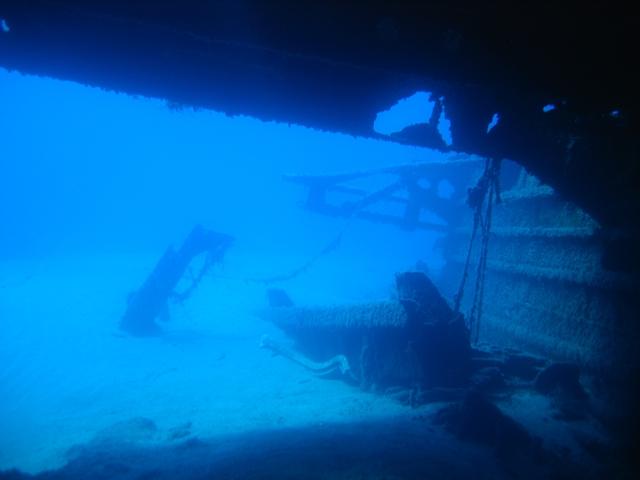 Isola di Ponza - Relitto di Punta Papa - Landing Ship Tank