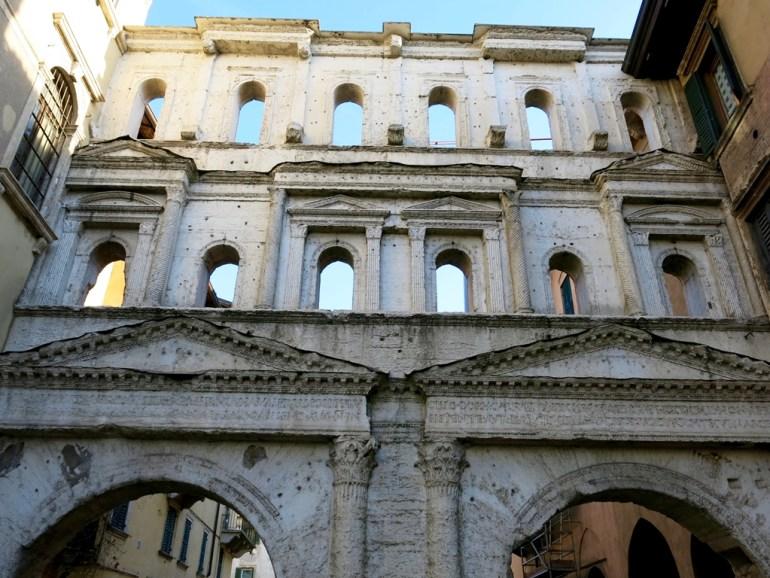 Cosa vedere a Verona La Porta Borsari