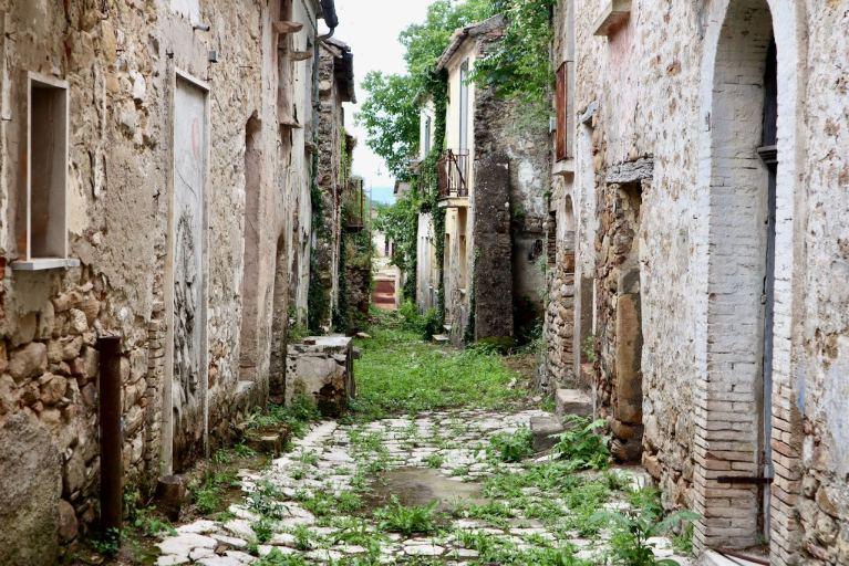 Apice Vecchia. Il Borgo della Campania sospeso nel tempo