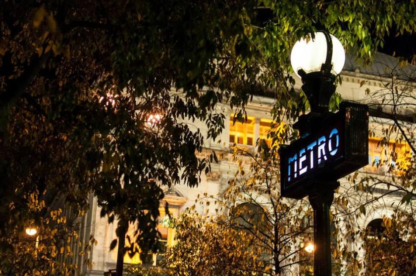 PARIGI METROpolitana notte