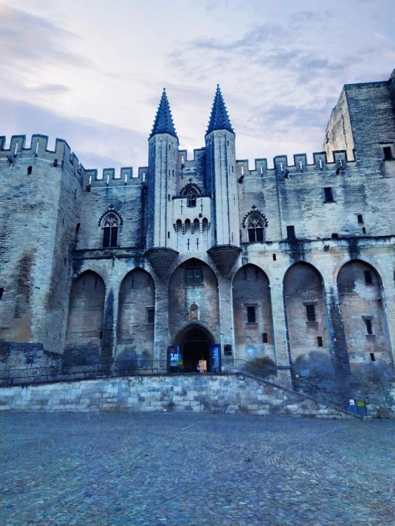 Il Palazzo dei papi ad Avignone