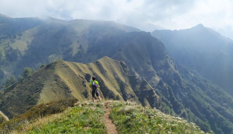 Trekking: abbigliamento e attrezzatura. 10 oggetti indispensabili