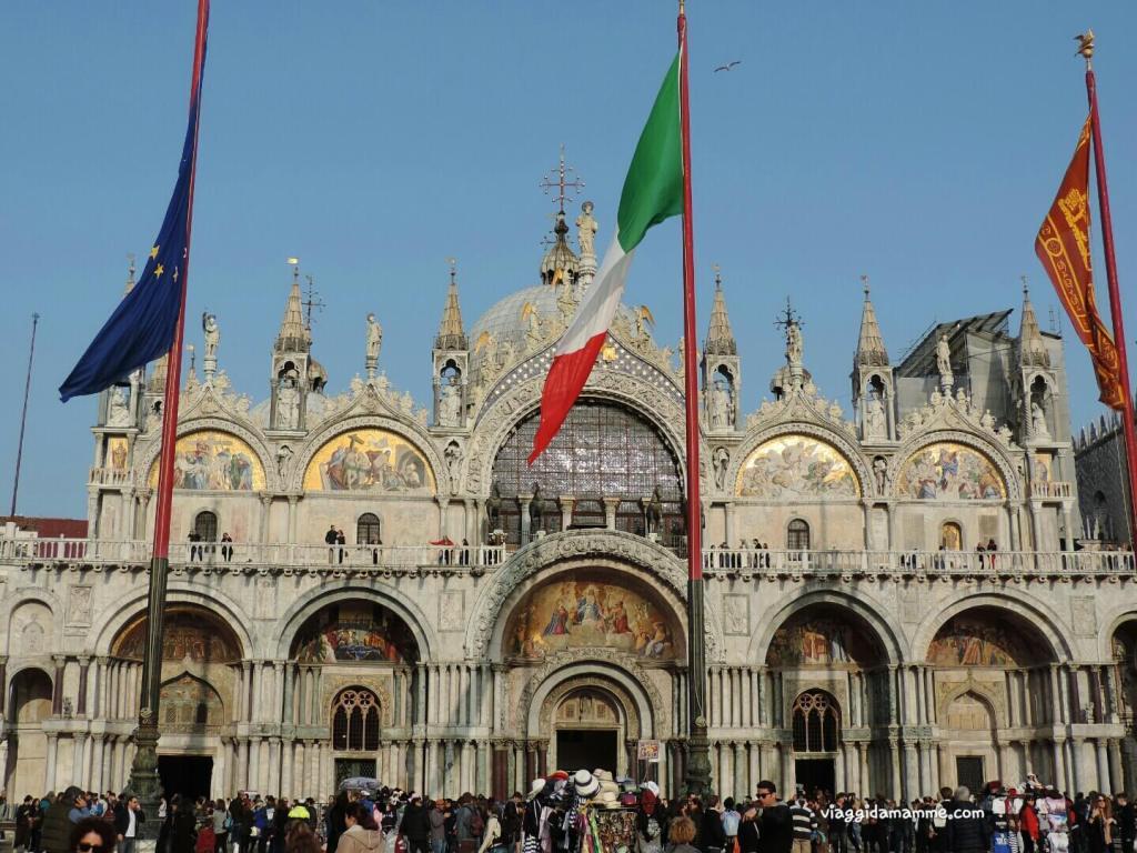 Cosa vedere a Venezia con i bambini in tre giorni - Vista esterna della Basilica Di San Marco -