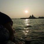 Cosa vedere a Venezia con i bambini in tre giorni - sullo sfondo Chiesa Santa Maria della Salute -