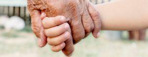 Nonni, genitori, figli e nipoti: storie di straordinaria complicità.