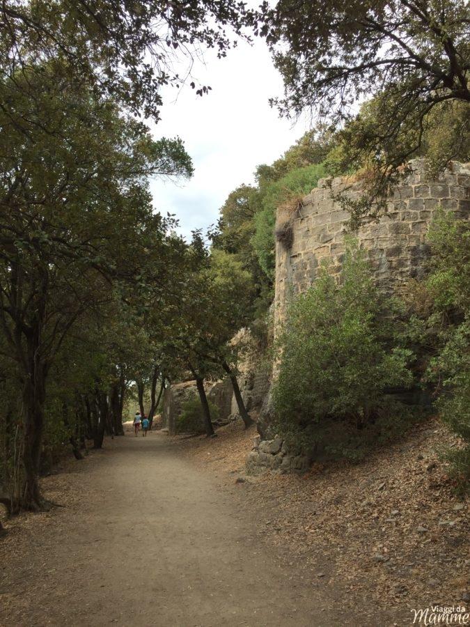 Vacanza tra Costa Azzurra e Provenza con bambini -La passeggiata per salire al Castello-