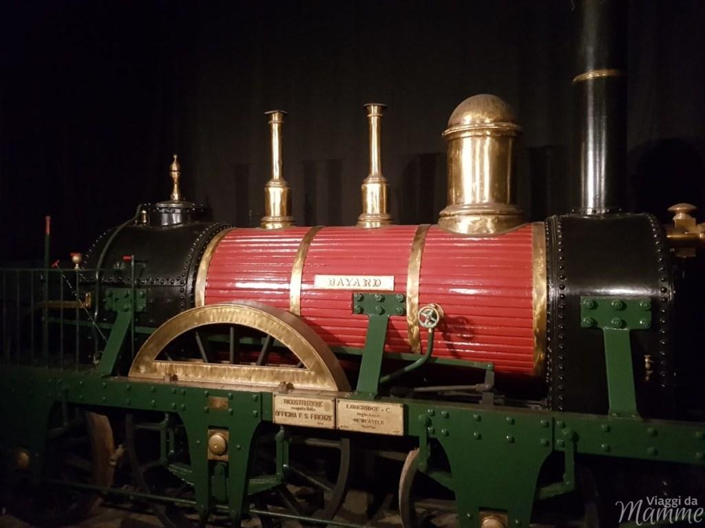 Locomotiva Bayard nel primo padiglione
