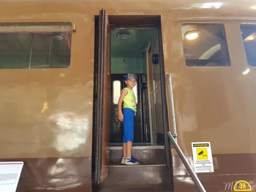 Museo Ferroviario di Pietrarsa e la storia del treno -secondo padiglione-