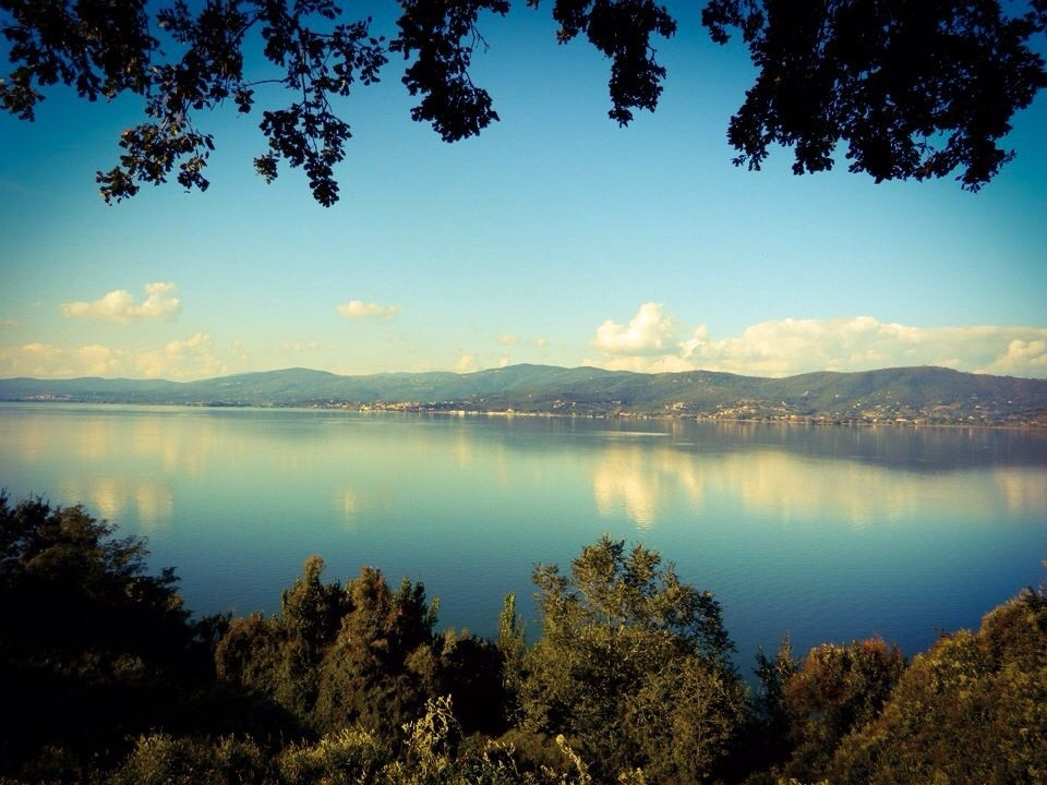 Laghi in Italia: per una gita o un weekend in famiglia - Lago Trasimeno - Fonte foto Pinterest