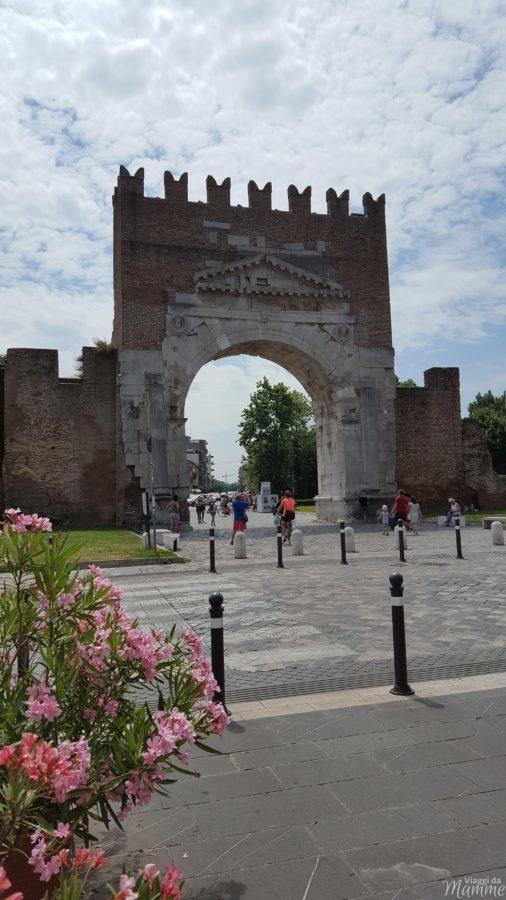 Cosa vedere a Rimini: alla scoperta della città romana -Arco di Augusto-