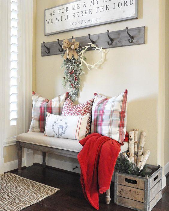 Addobbare casa per Natale: le decorazioni della tradizione - ingresso-
