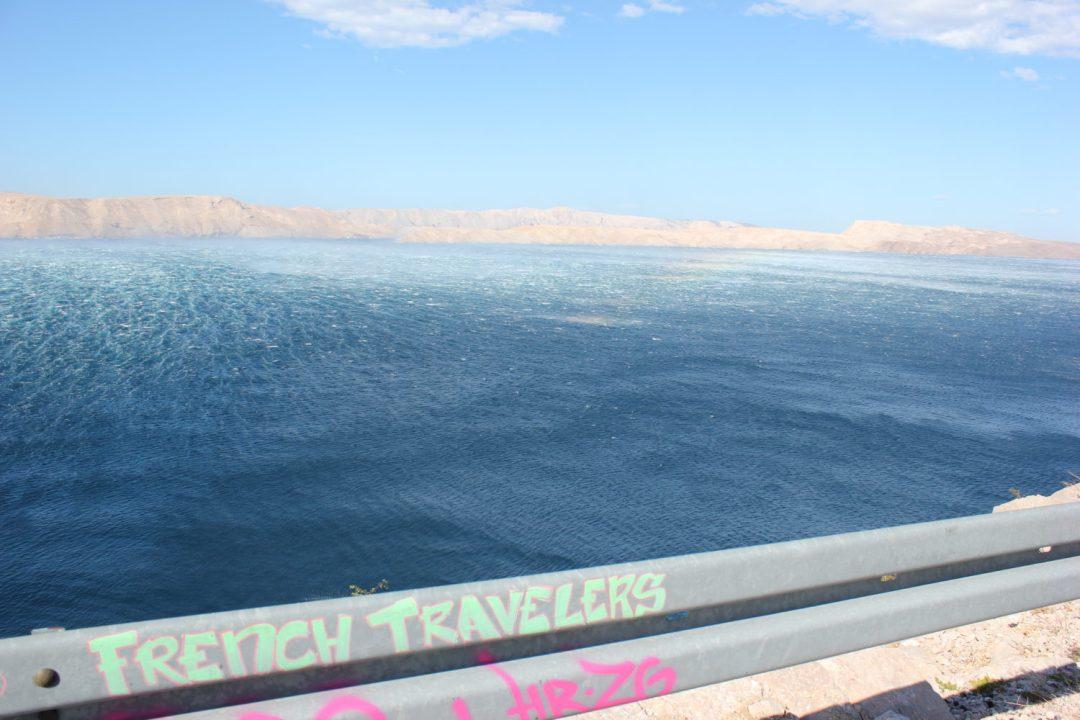 Mare increspato sulla costa della Croazia