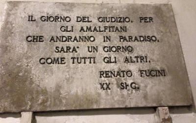 una targa ad Amalfi quantomai veritiera