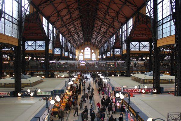 Mangiare al Mercato Centrale di Budapest