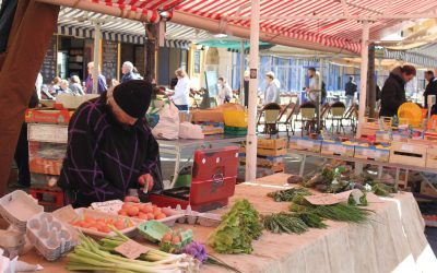 il mercato di Cours Saleya a Nizza – Foto