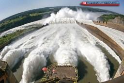 Calhas do vertedouro da Usina de Itaipu - 16.02.07