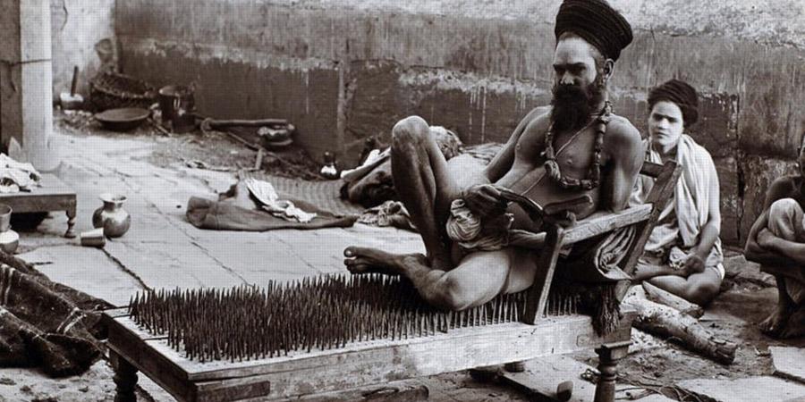 Gli incredibili poteri di fachiri e sadhu