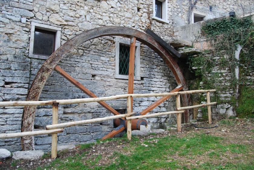 Il Mulino dei Veraghi nel borgo medievale di Molina