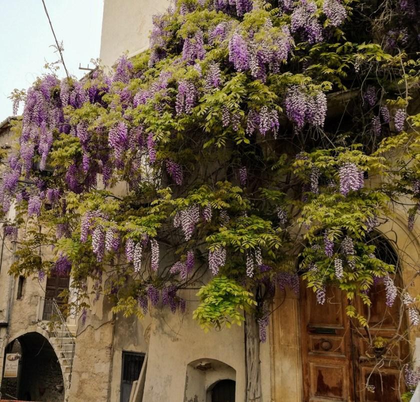 il piccolo borgo di Fontecchio
