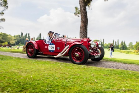 """Silvia Marini and Francesca Ruggeri on Alfa Aston Martin 2 Litre Speed Model (1936). Parco Giardino Sigurtà, Valeggio-sul-Mincio, maggio 2018. Nikon D810, 24 mm (24 mm ƒ/1.4) 1/100"""" ƒ/5 ISO 64"""