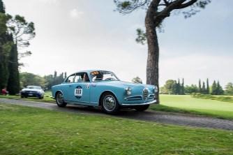 "Piero Pelù and Gianna Fratta, Alfa Romeo Giulietta Sprint Bertone. Parco Giardino Sigurtà, Valeggio-sul-Mincio, maggio 2018. Nikon D810, 24 mm (24 mm ƒ/1.4) 1/100"" ƒ/1.4 ISO 64"