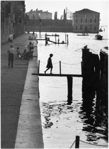 Willy Ronis, Fondamente Nuove, Venise, 1959. Ministère de la Culture / Médiathèque de l'architecture et du patrimoine / Dist RMN-GP © Donation Willy Ronis