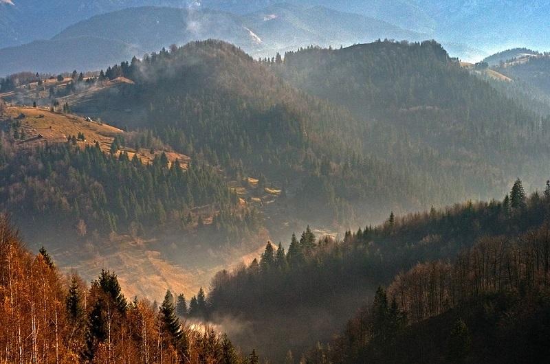 Hiking Trails in Romania - Piatra Craiuli