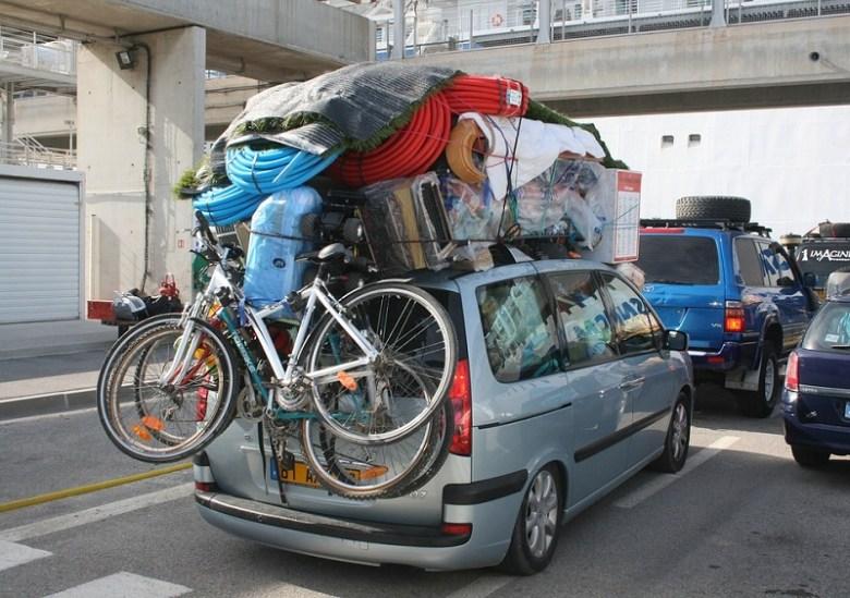 viaggio minimalista auto