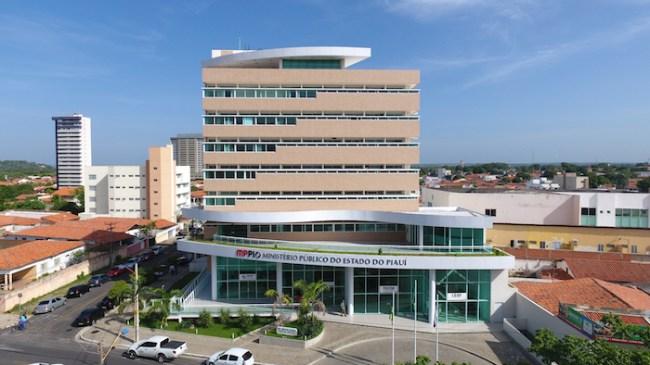 Prédio do Ministério Público na zona leste de Teresina (Imagem de drone).