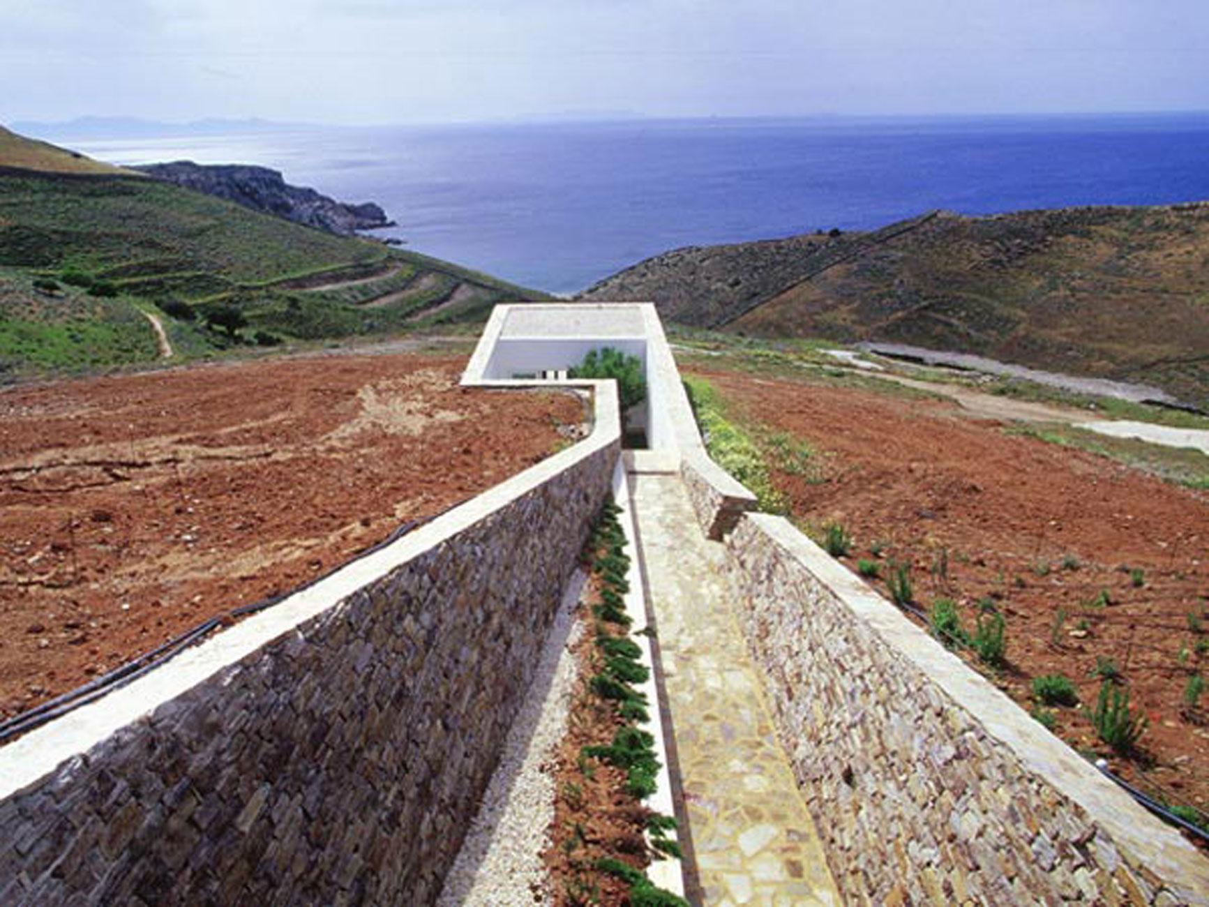 Creative House Design In Underground The Greece Water Log