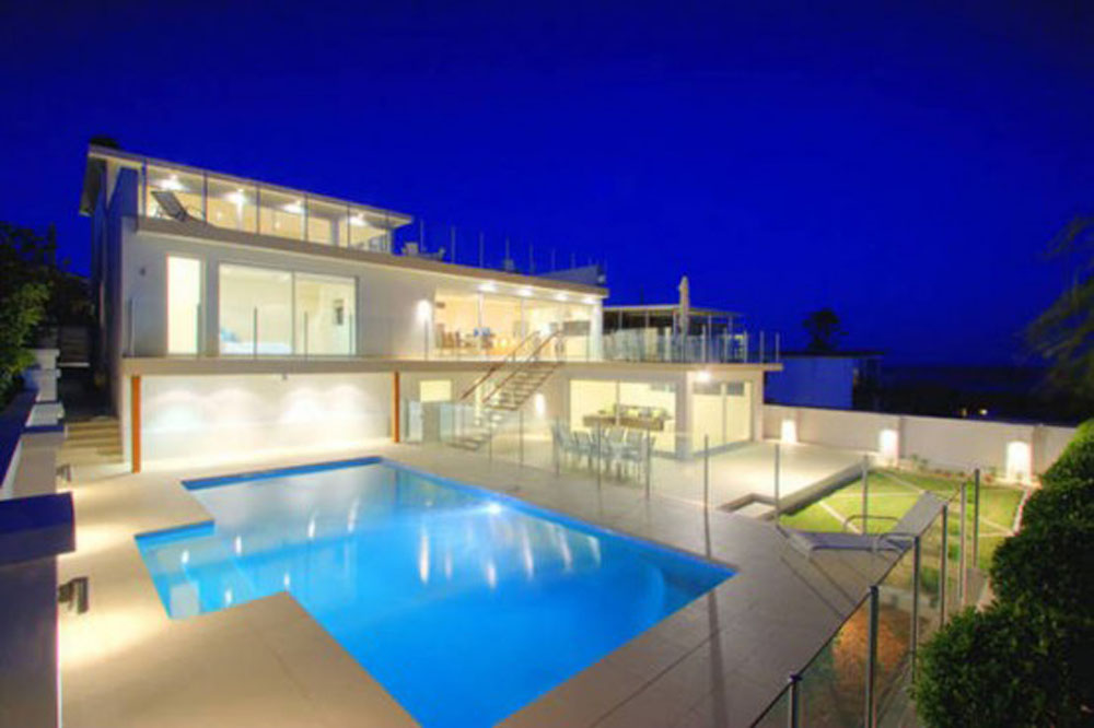 Modern Exterior Big House Design With Huge Swimming Pool