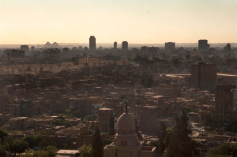 Cairo panoramica con pirámideswebExtension