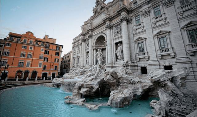 La hermosa Fontana de Trevi.