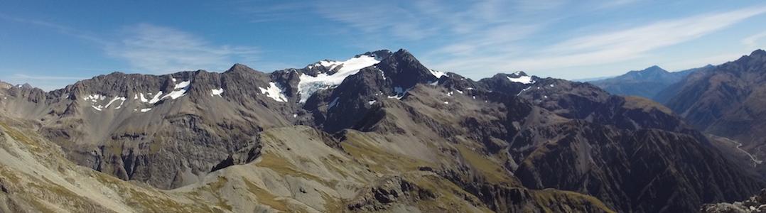 El Monte Rolleston desde el Pico Avalancha