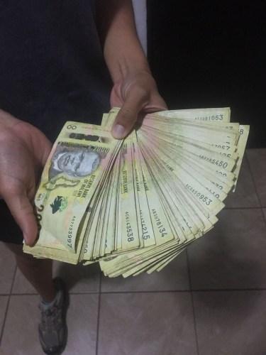 Y así lucen USD 200 en kwachas de Malawi